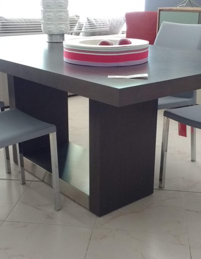 OUTLET_MESA 4 _ 600 €